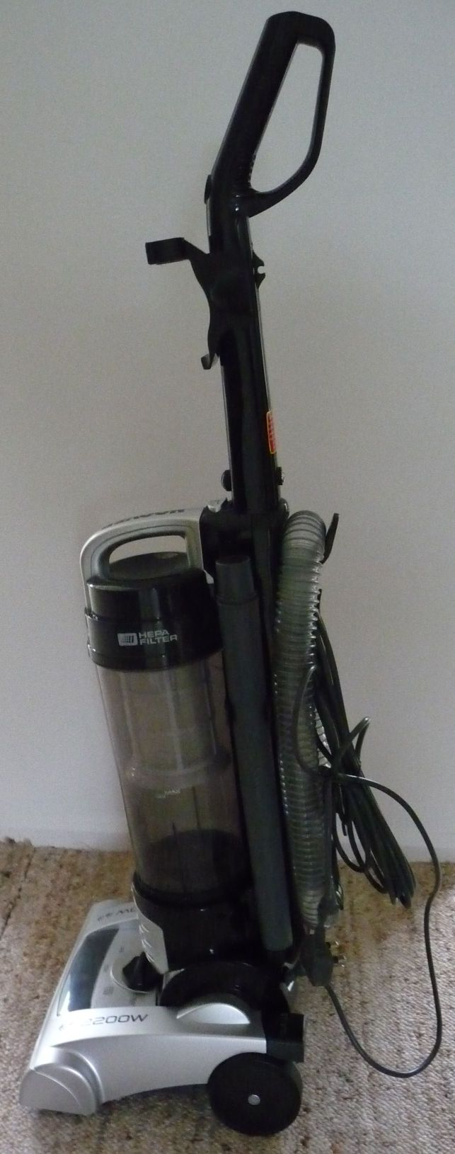 Boxed Hoover Br2205 Breeze Upright Bagless Vacuum